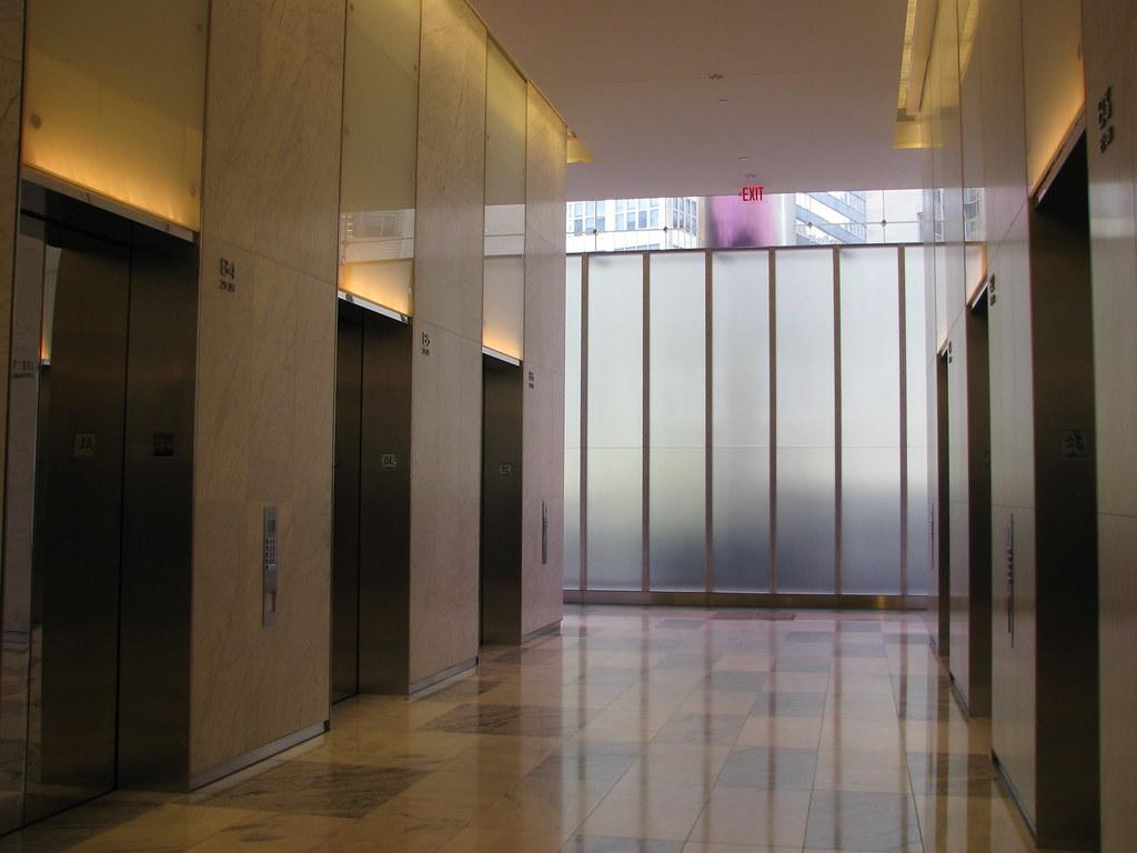 Elevator lobby, 7 World Trade Center | Dan Macy | Flickr