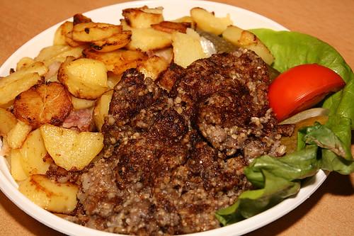 Bremer Knipp mit Bratkartoffeln | by krongy