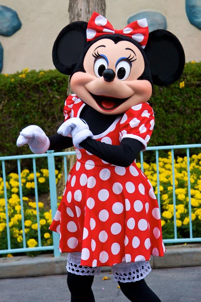 Disneyland Aug 2009 Meeting Minnie Mouse Disneyland