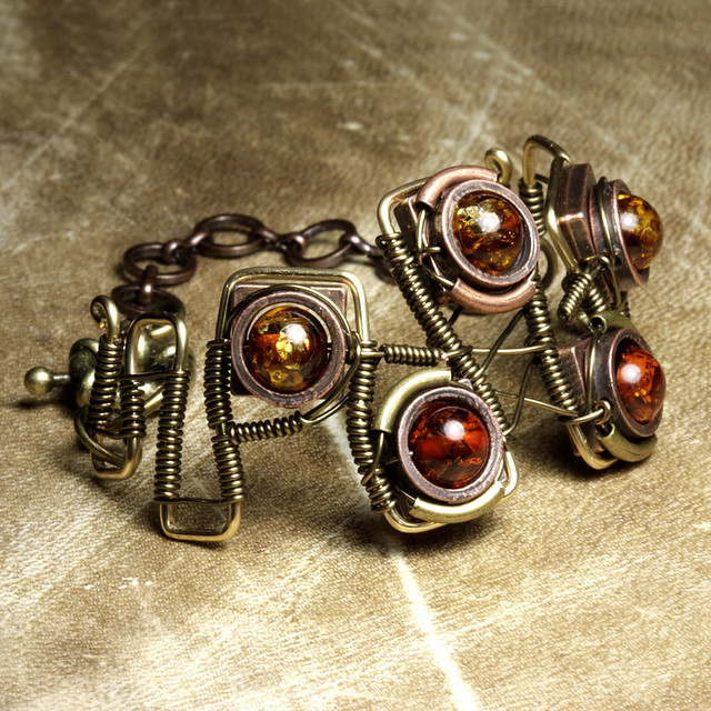 Steampunk Jewelry made by CatherinetteRings - Epic 1 - Bracelet with Amber