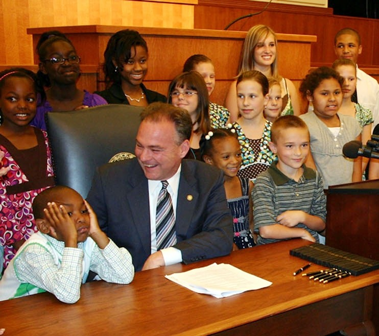 Virginia Governor Tim Kaine and Army children