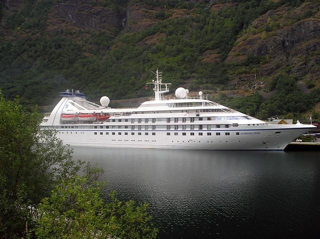 Seabourn Pride in Flåm 2004