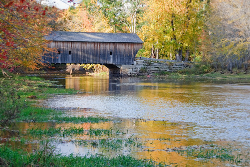 autumn trees color leaves river maine sigma coveredbridge woodenbridge 1857 sacoriver eos400d hemlockbridge paddlefordtruss