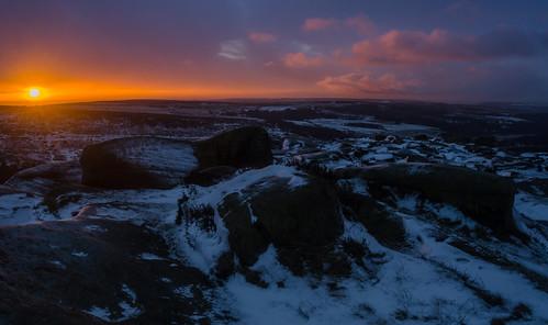 higgertor derbyshire sunrise morning iceandfire snow winter ice peakdistrict darkpeak