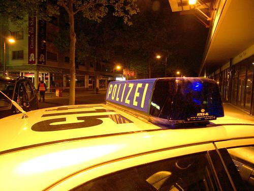 falscher Polizeiwagen   by jphintze