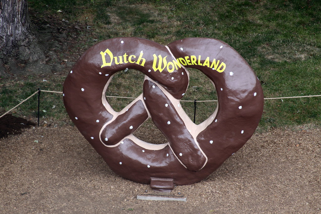 Image result for dutch wonderland pretzel""