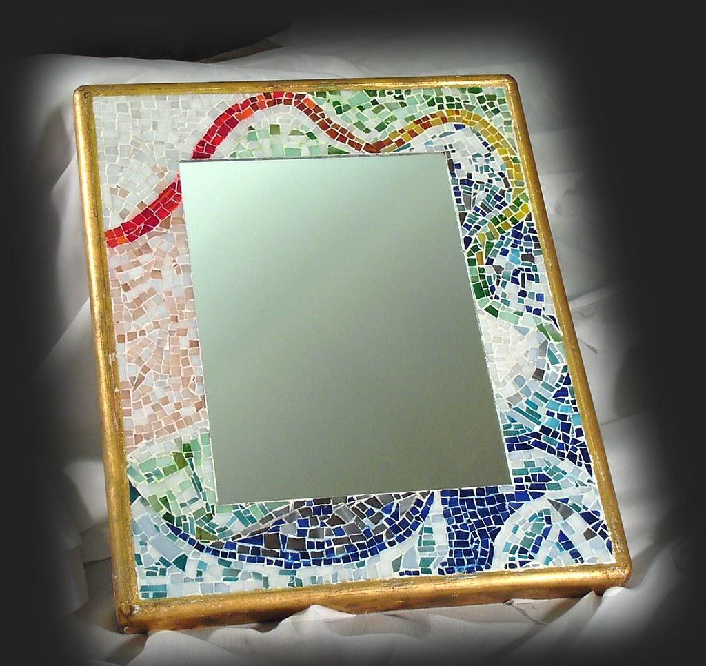 Mosaico Come Si Realizza specchio con cornice in mosaico di tessere di vetro realiz
