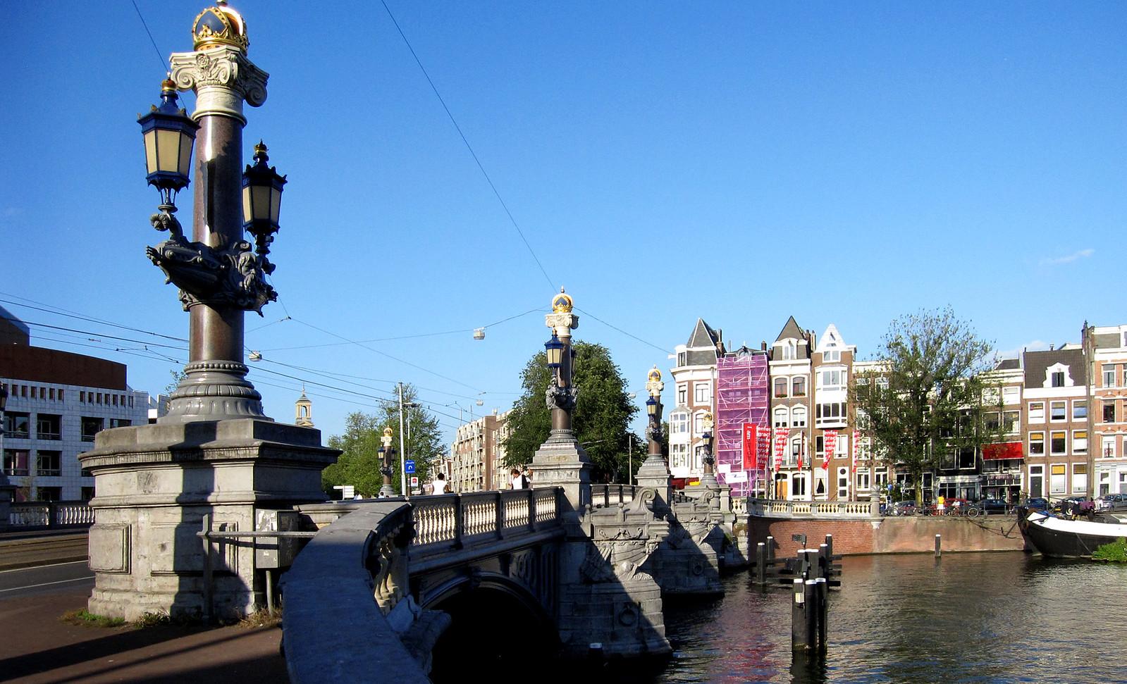 Amsterdam 332