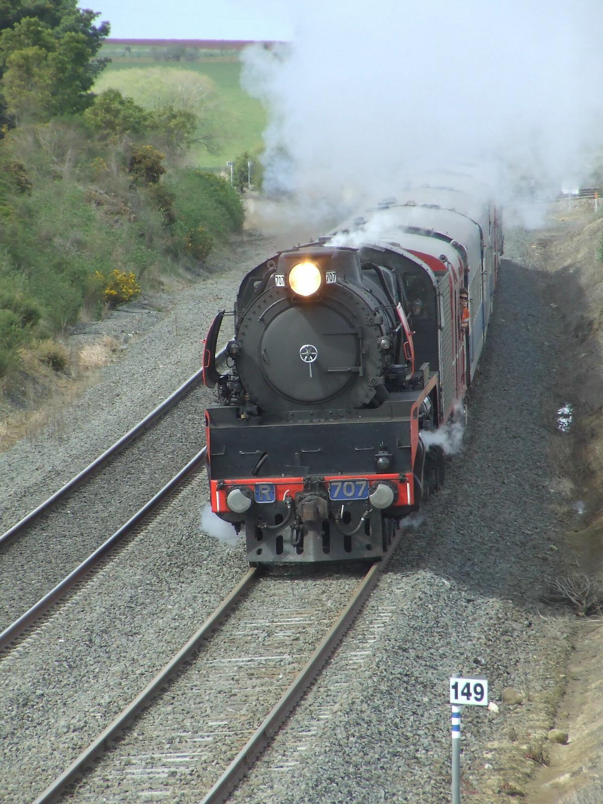 707 to Ballarat 13/09/09 by gary Baines