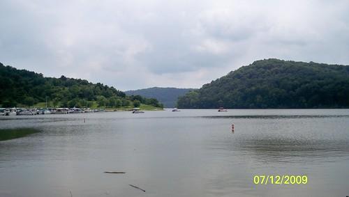 water landscape geotagged beechforklake geo:lat=38302975133333 geo:lon=824151842666645