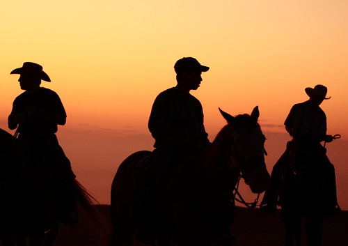 california red people horse silhouette canon cowboy candid 200 70 70200 f4 emmanuel astig f4l canonl 50d dasalla emmanueldasalla
