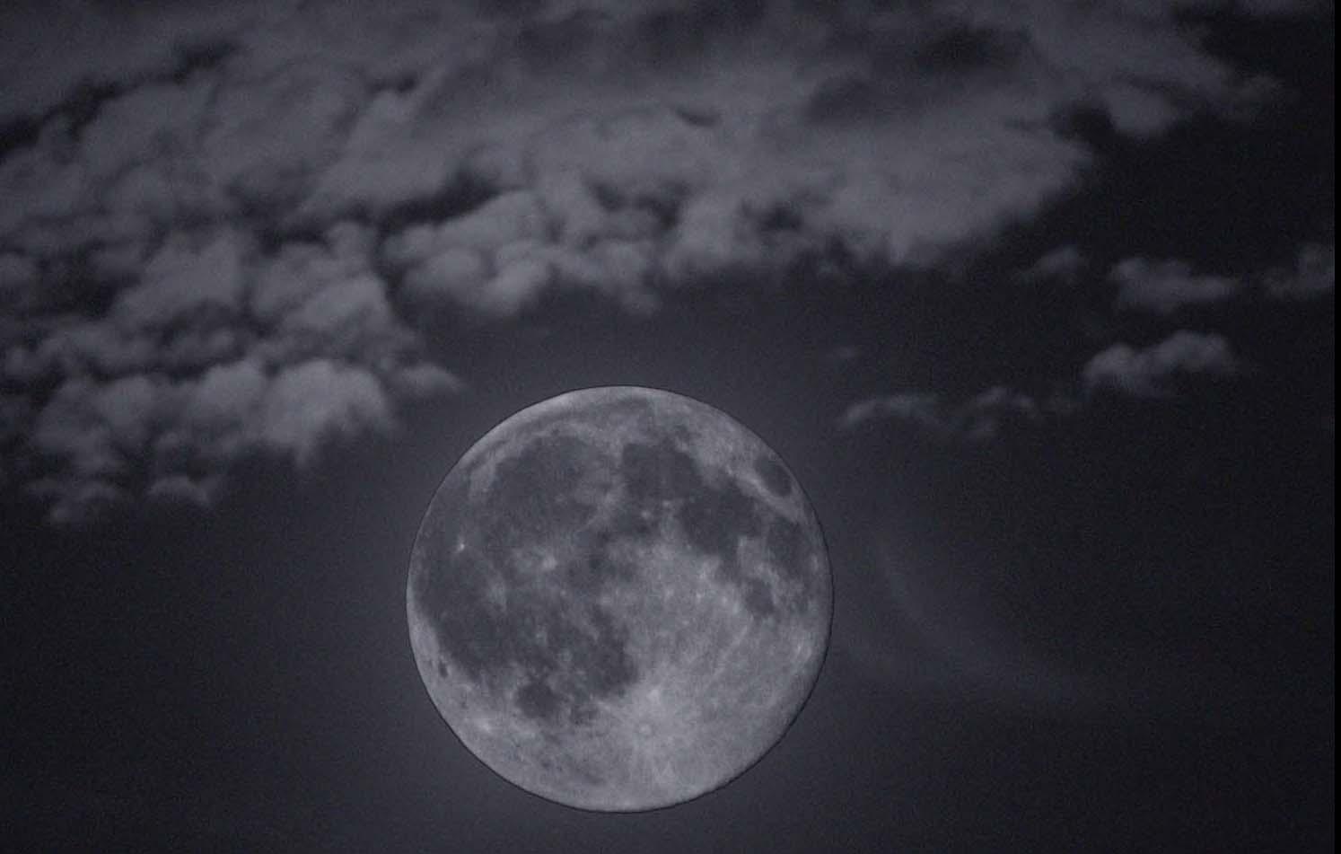 Full,Moon,Cheshire,warrington,UK,England,clouds,dusk,365days,B/W,black,white,mono,monochrome,tonysmith,tony,smith,noche,nuit,hotpix!