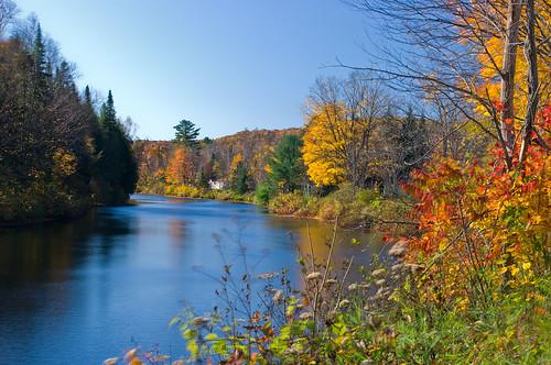 Rivière l'Assomption à l'automne | by david_joly