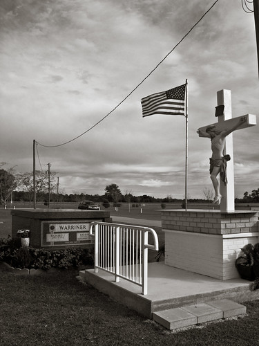 bw usa cemetery grave nikon catholic flag alabama p6000