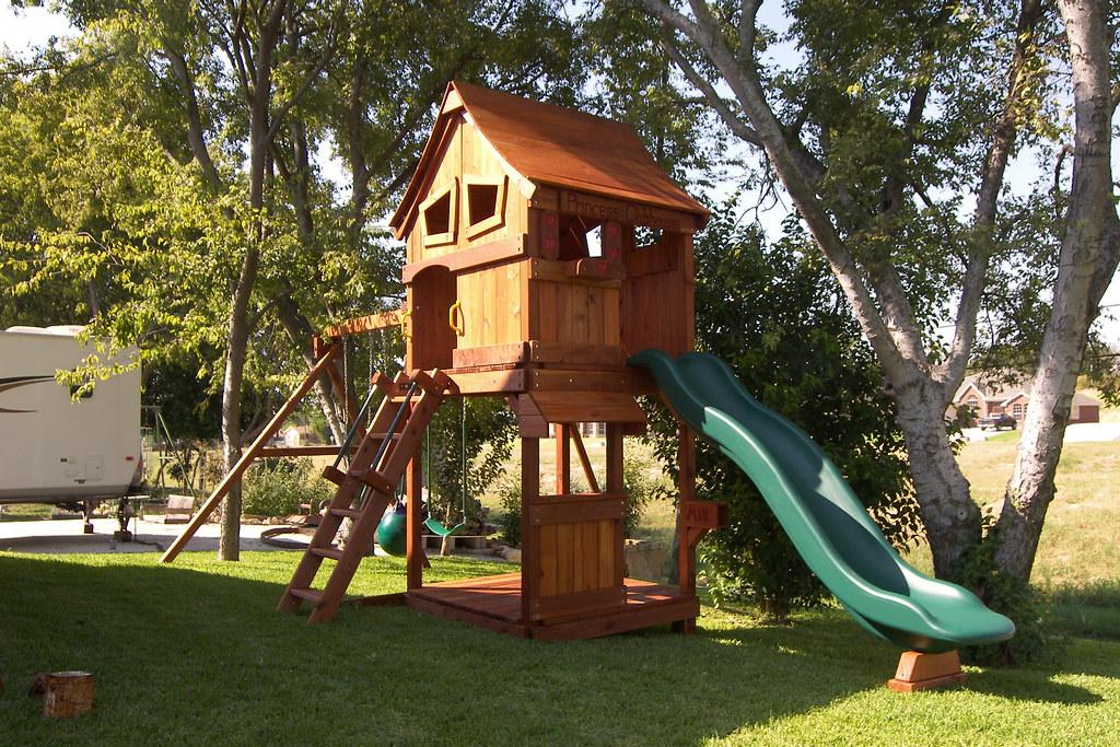 16)Backyard Fun Factory Maverick, Upper cabin, lower floor ...