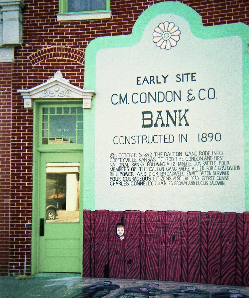 Rode Design Bank.Condon Bank Coffeyville Here S An Image From Our First Ro Flickr
