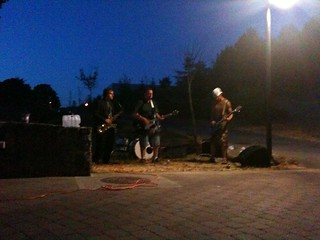 GDI The Hillside Hooligans perform(spkm)