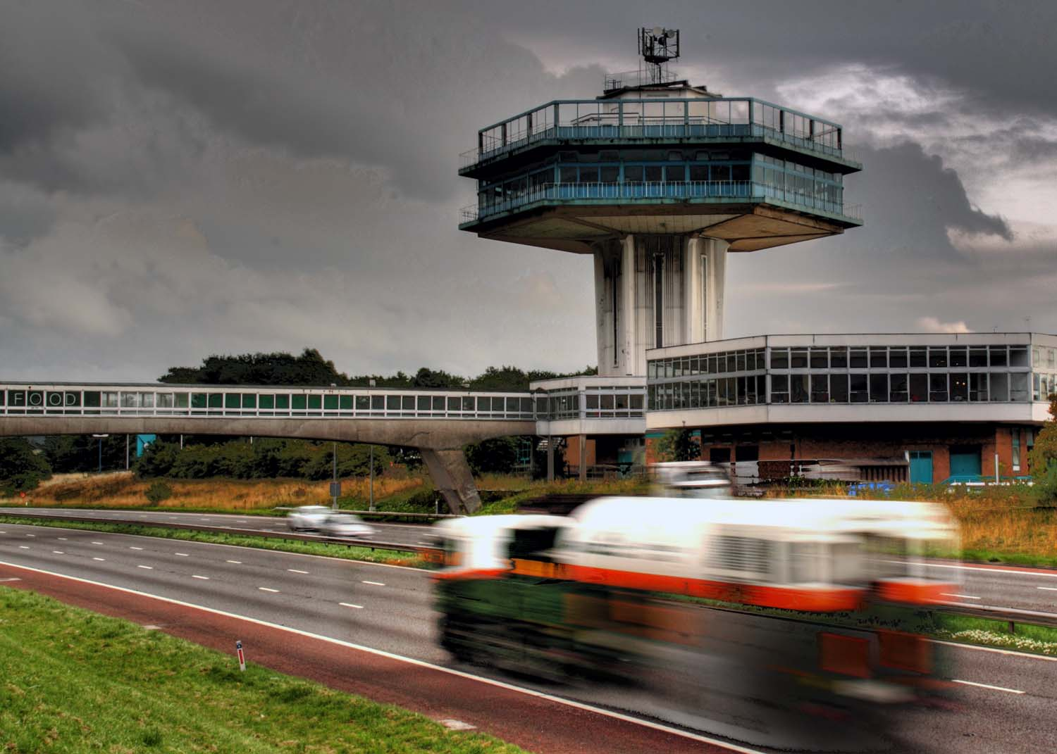 M6,Lancaster,Services,southbound,motorway,UK,lancashire,Moto,M&S,justfood,just,food,tower,Pennine Tower,pennine,five,star,loo,award,top,crapper,365days,building,buildings,built,architecture,sex,sexy,hotpix!