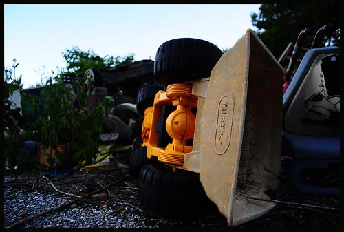 japan landscape nikon asia wideangle spooky abandonded 日本 okinawa jpg nikkor orient 沖縄 fareast 204 manualfocus deserted bankrupt leftbehind pacifc ryukyuislands 20mmf4 20mmf4ai d700 sunsetviewinn shahbay