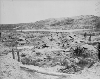 The Bluff from International Trench / Vue du promontoire à partir de la tranchée internationale