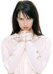 Mia Kirshner (Jenny)