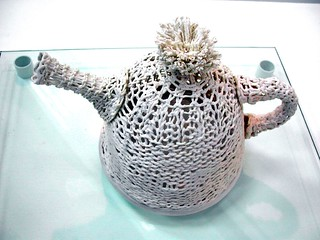 Knitted ceramic teapot, by Helen Gilmour | by extra-minty