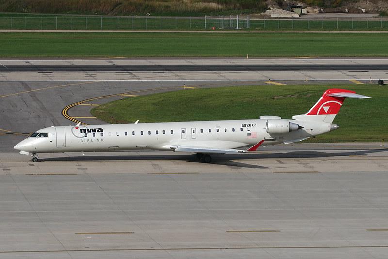 Northwest Airlink CRJ-900 N926XJ