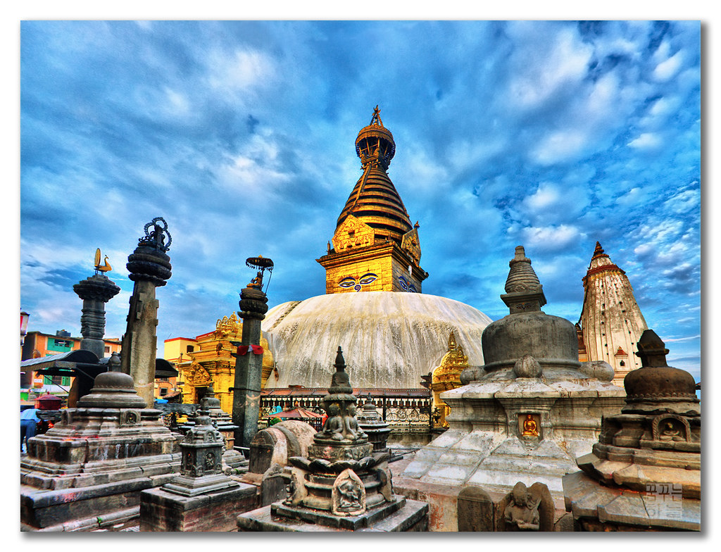 High Dynamic Peace - Swayambhunath (स्वयम्भूनाथ स्तुप), Nepal by dhilung