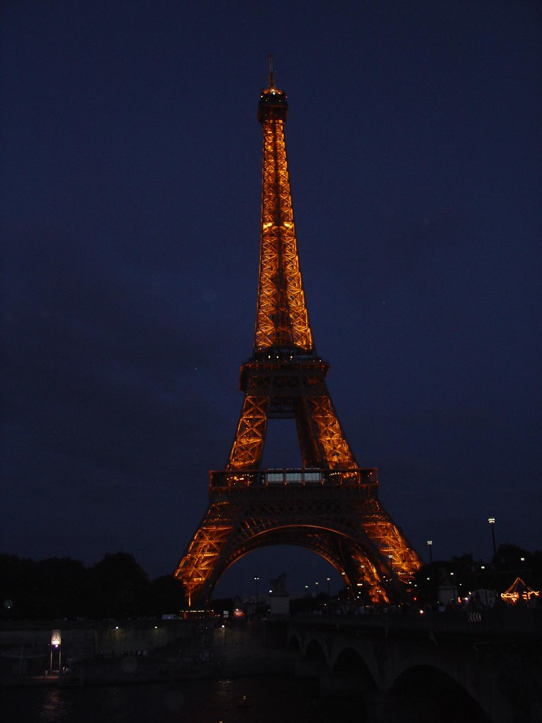 Night View Of Eiffel Tower Paris France Hd Photos And Wallpaper Directory