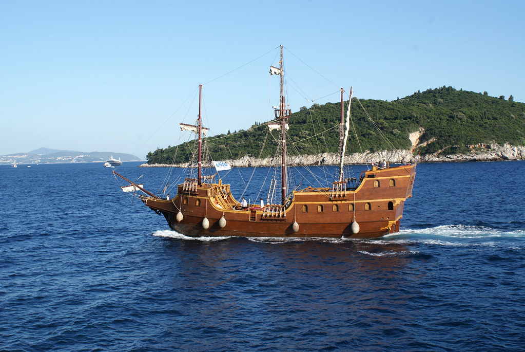 Old Wooden Sailboat Rmoi Kelly Flickr