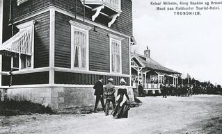 Keiser Wilhelm II, kong Haakon VII og dronning Maud besøker Fjellseter Turisthotell (1906)