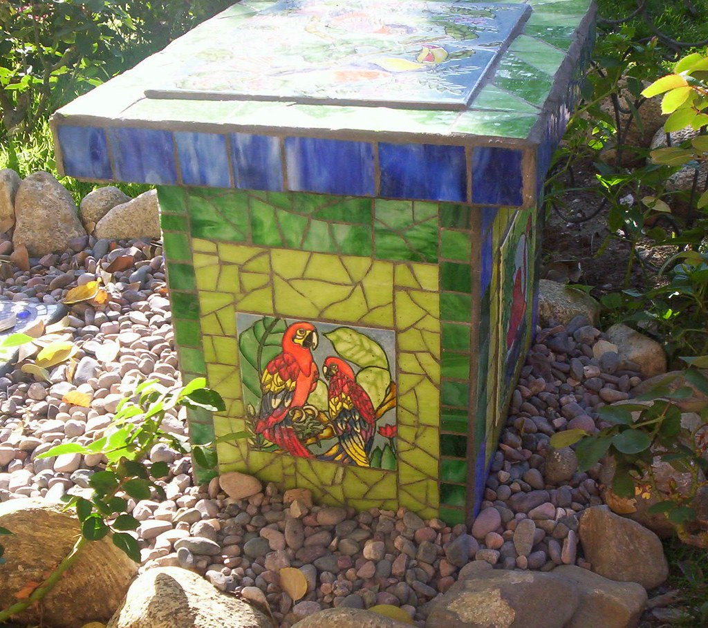 Surprising Mosaic Garden Bench I Wanted A Small Bench At The End Of A Ibusinesslaw Wood Chair Design Ideas Ibusinesslaworg