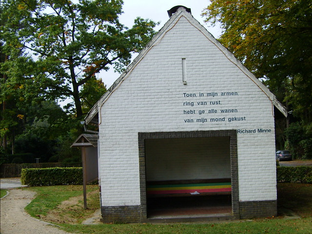 Muurgedicht van Richard Minne / Wall poem by Richard Minne