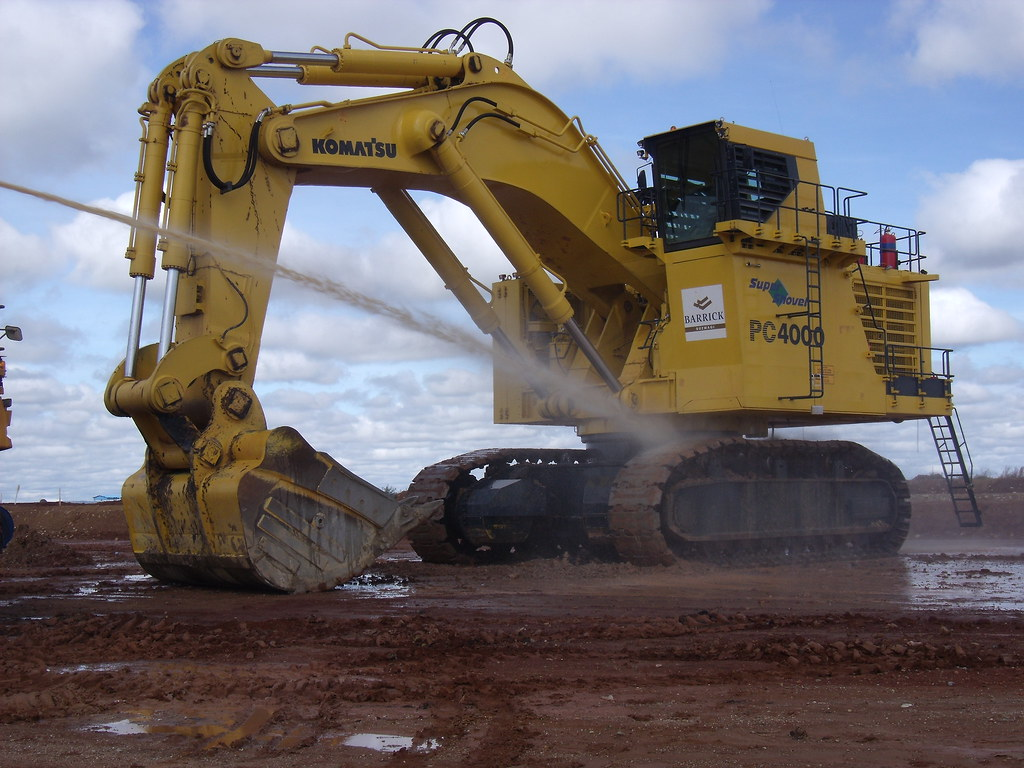 ... Komatsu Excavator-PC4000-Tanzania | by Toto Dan