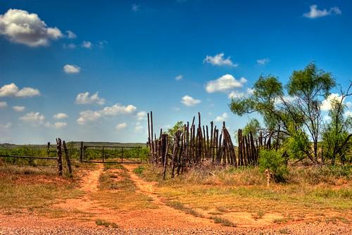 old summer fence landscape geotagged bluesky dirtroad hdr lightroom reddirt photomatix tonemapped 2ev tthdr geo:lat=35267422 geo:lon=102017737