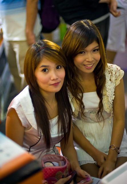Cute Girls In Pantip Plaza