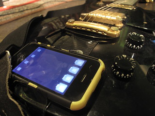 Jim's Gibson/iPhone combo | by lilspikey
