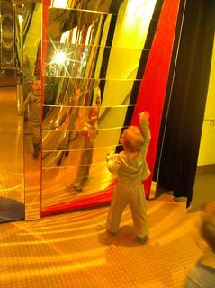 Vivian at funhouse mirrors ay the NY hall of science | by hal(var)
