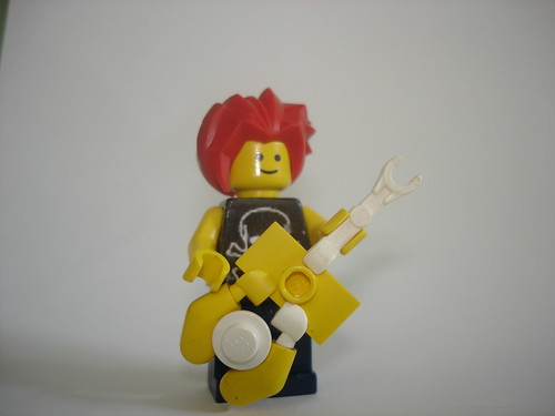 Yellow Stratocaster | by Sam Christian (Samthelegoman1)