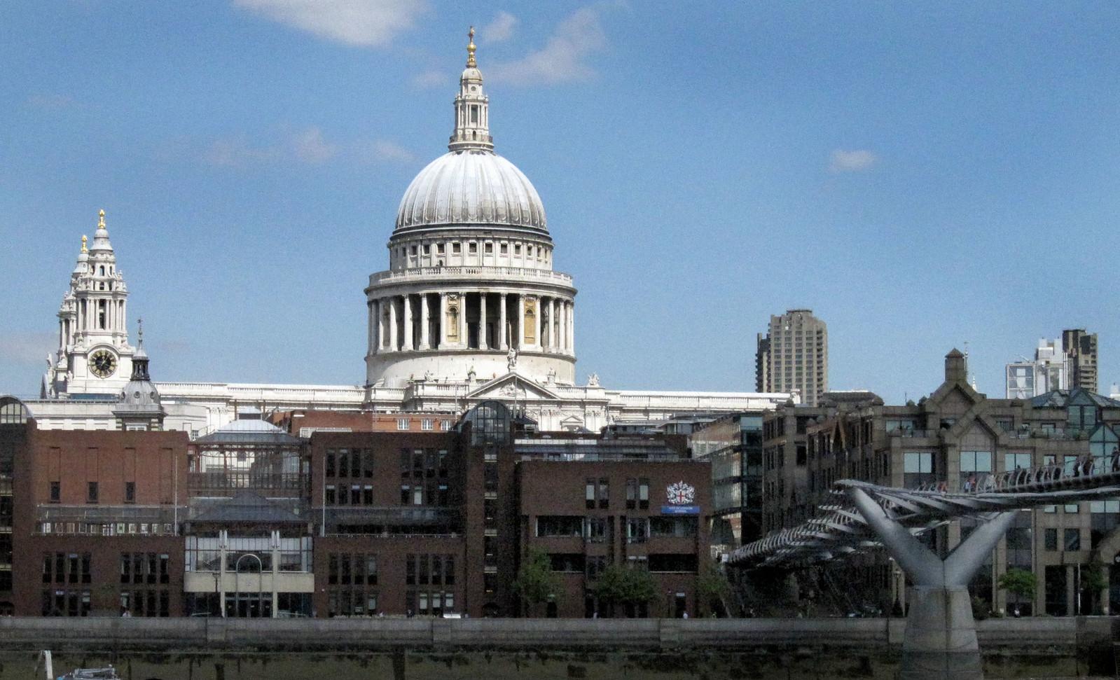 London 371