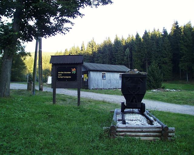 Das Nußknackermuseum mit dem größten Nussknacker und der größte Spieldose der Welt, ist Treffpunkt für Sammler aus aller Welt, Neuhausen und Seiffen im Erzgebirge 027