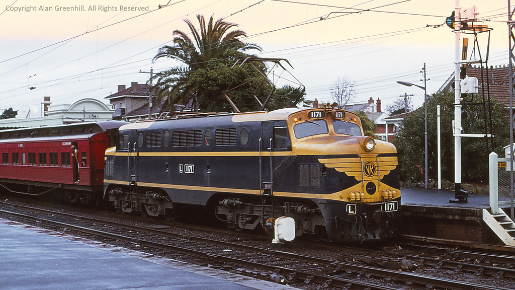 L1171 Caulfield 1977 by michaelgreenhill