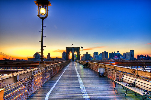 Sunrise at the Brooklyn Bridge | by Francisco Diez