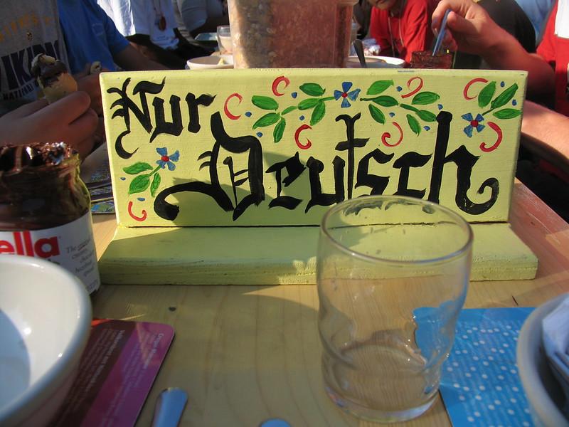 Nur Deutsch Biertisch