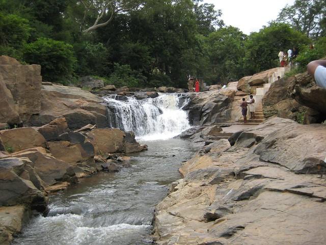 Falls near Arappalleeswarar Temple 2