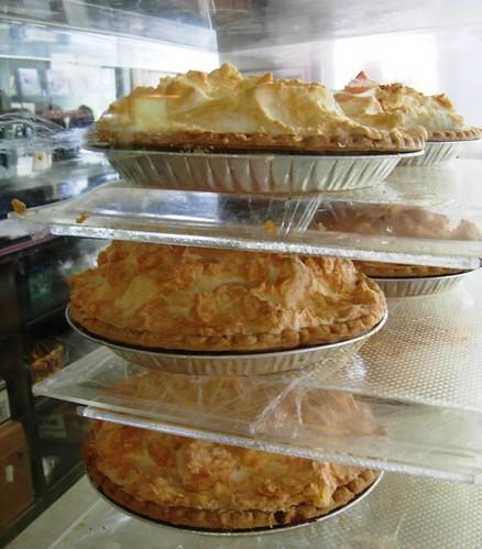 apple pie crust dessert restaurant virginia lemon sweet fat sugar va eggs hungry meringue baked nachtisch