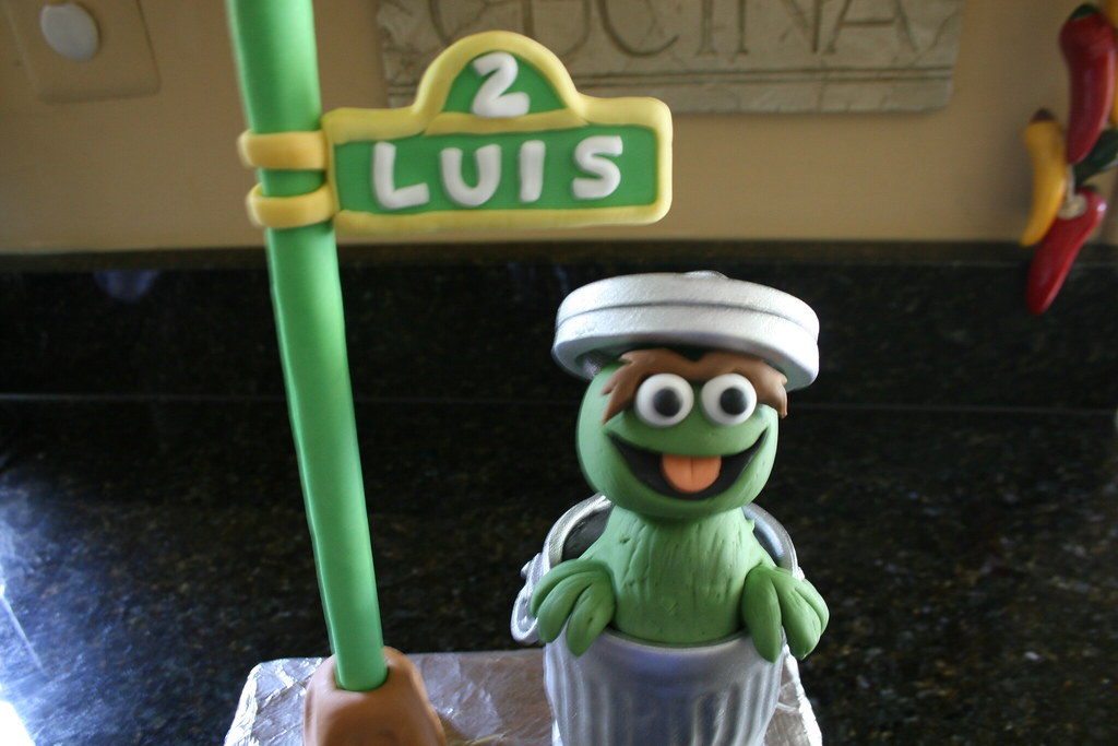 Oscar The Grouch Cake Topper Ordered From Out Of State Flickr