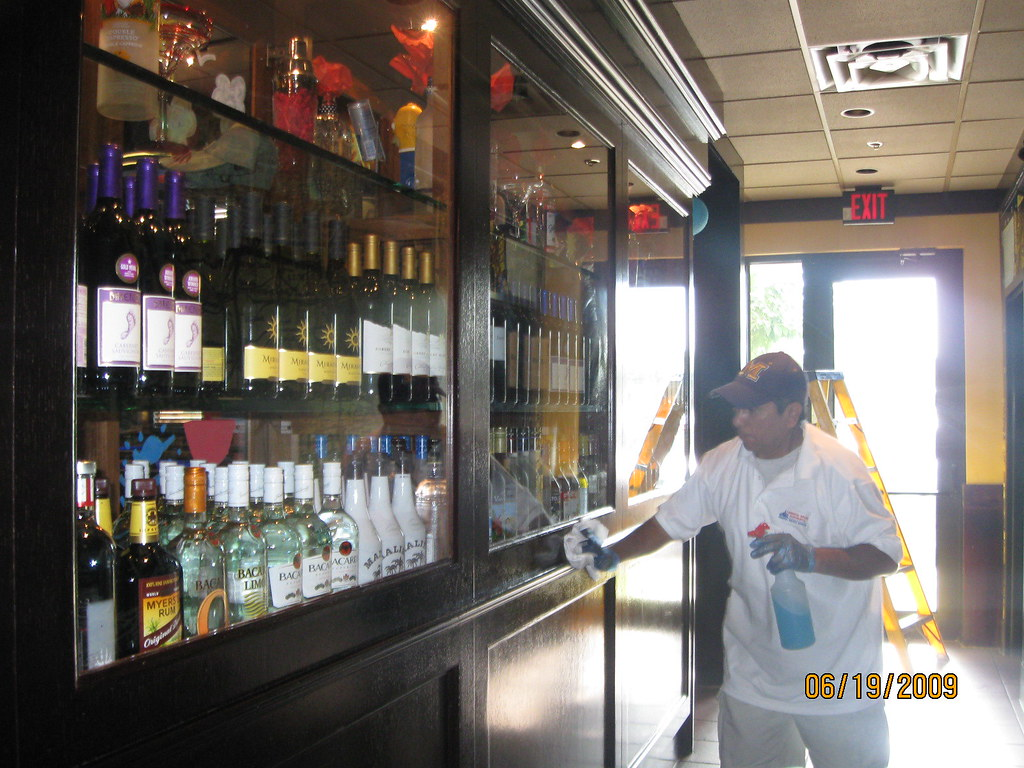 Restaurant and Bar cleaning outsourced