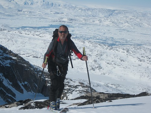 Sat, 2011-05-07 14:48 - Greenland ski touring 2011-8
