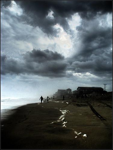 ocean sky house storm beach clouds canon coast is bill nc kill hurricane north shoreline powershot hills carolina devil surfers outer hdr banks obx s5 3xp kdh photomatix
